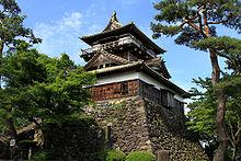 220px-Maruoka_Castle_20100529-01